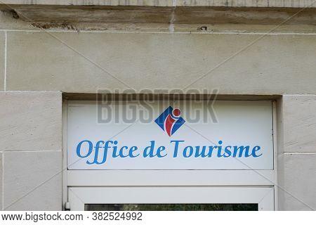 Bordeaux , Aquitaine / France - 08 16 2020 : Office De Tourisme Logo And Text Sign On Tourism Agency