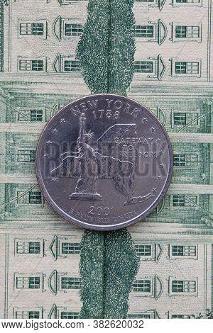 A Quarter Of New York On Us Dollar Bills. Symmetric Composition Of Us Dollar Bills And A Quarter Of