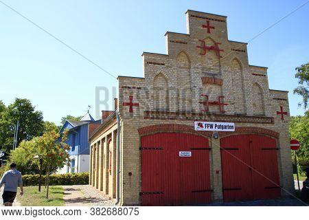 Putgarten, Deutschland, Germany\n12.08.2020\nbuilding Of The Voluntary Fire Brigade Of The Putgarten
