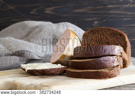 Bitter Rye Flour Sandwich With Buttered Butter, Homemade Sandwiches Made At Home