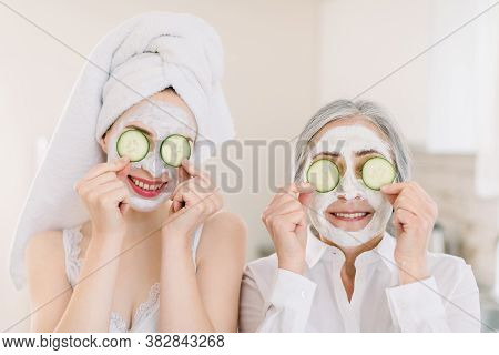 Spa And Wellness. Anti Age Mask. Skin Care For All Ages. Ssmiling Attractive Senior Gray Haired Woma