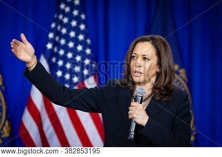 Washington  Dc,united States,january  2020,democratic  Vice President Candidate  Kamala Harris In Co