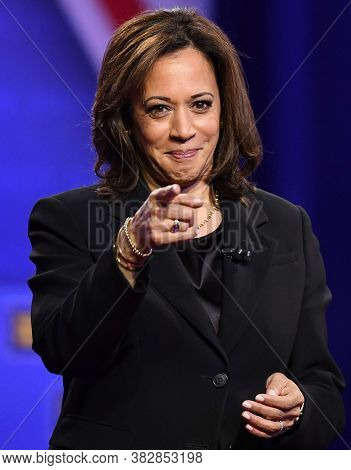 California,united States,december 2019,california  Governor  Kamala Harris In Conference