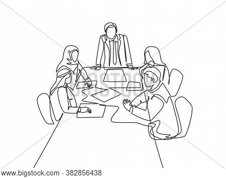 One Continuous Line Drawing Of Young Startup Businessman Do Presentation To Muslim Investor Communit