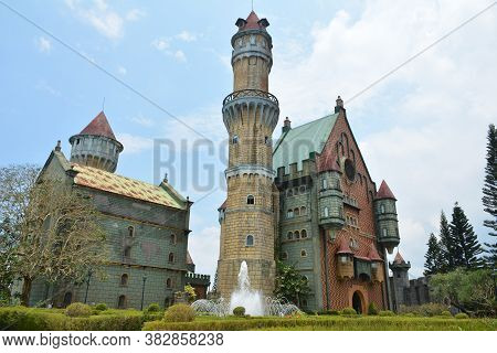 Batangas, Ph - May 4 - Fantasy World Theme Park Castle Facade On May 4, 2019 In Batangas, Philippine