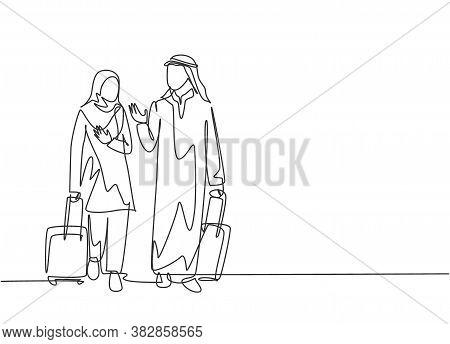 Single Continuous Line Drawing Of Young Male And Female Muslim Managers Talking After Do Business Tr
