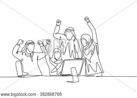 One Continuous Line Drawing Of Young Male And Female Muslim Managers Celebrate Their Target Achievem