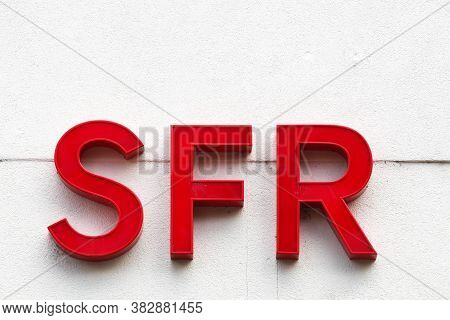 Vienne, France - June 7, 2020: Sfr Sign On A Wall. Sfr Is A French Telecommunications Company That P