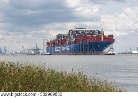 Doel, Belgium, August 17, 2020, Cosco Shipping Is A Shipping Company Of Container Ships Headquartere