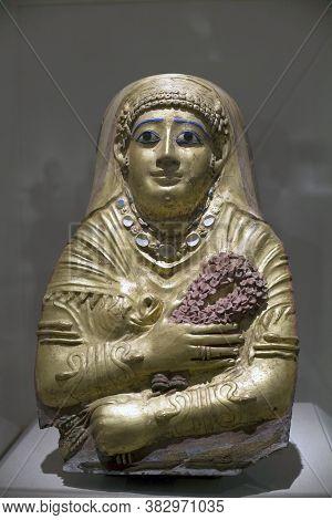 Brooklyn, New York/usa - October 6, 2018: Mummy Cartonnage Of A Woman From Hawara Egypt.