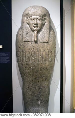 Brooklyn, New York/usa - October 6, 2018: Sarcophagus Lid Of Pa-di-inpu At  Brooklyn Museum.