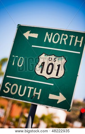 A green US 101 South highway sign background