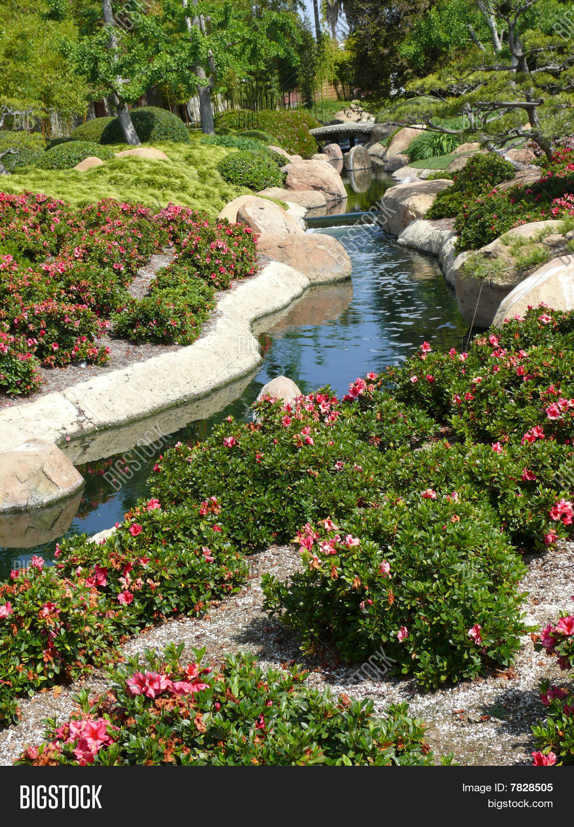 Image Et Photo De Jardin Japonais Essai Gratuit Bigstock