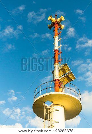 Tower signal warn tsunami.