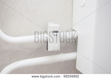 Heat Recording Device Mounted On Radiator