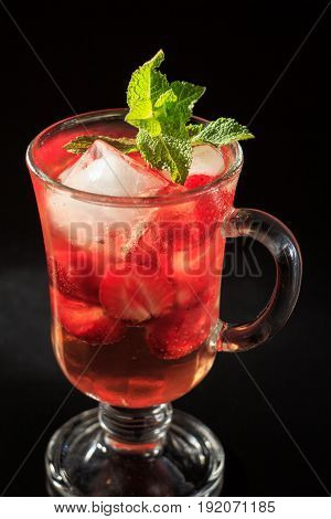 Carbonated Lemonade With Strawberry Slices And Mint