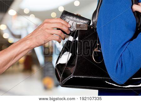 Bag hand thief wallet steal handbag stealing