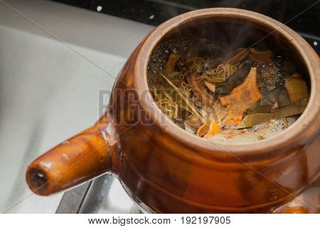 decocting Chinese medicinal herbs with enamel pot