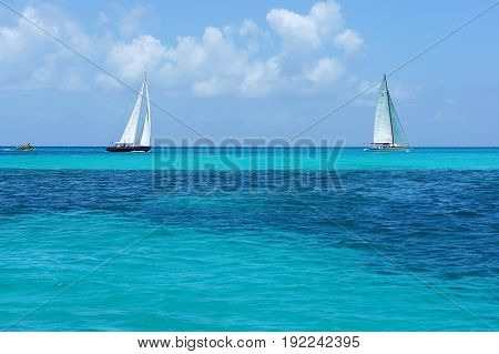 caribe sand beach boat ocean tropical nature