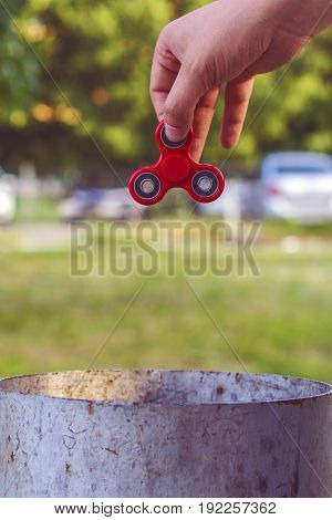 red Hand spinner, fidgeting hand toy rotating