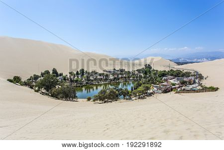 A village in southwestern Peru, built around a small oasis surrounded by sand dunes