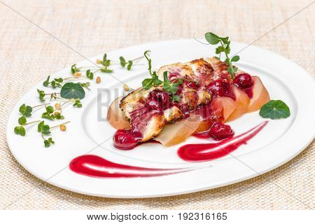 Turkey fillet with spicy pear and cherry sauce