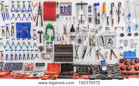 Mechanical tools for auto service and car repair