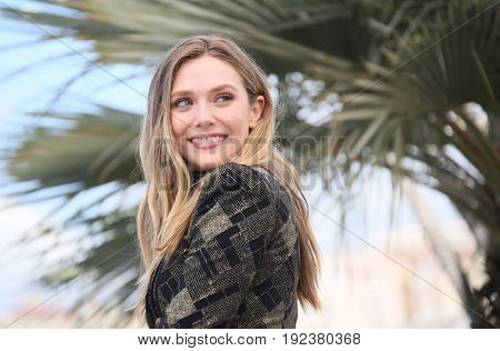 Elizabeth Olsen attends the 'Wind River' photocall during the 70th annual Cannes Film Festival at Palais des Festivals on May 20, 2017 in Cannes, France.