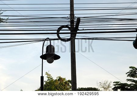 the electricity wire look so messy and danger