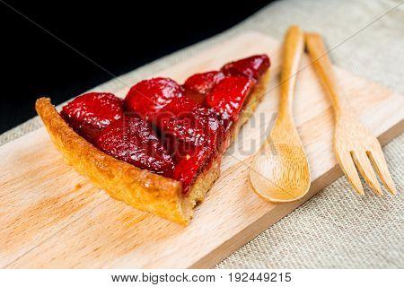 one slice of pie dessert ready to eat