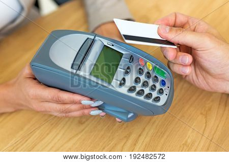 Paying through credit card reader