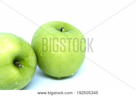2 green apple isolated on white background