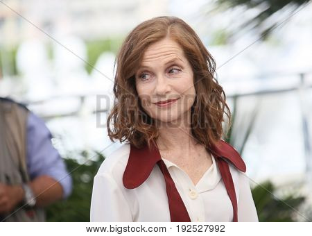 Isabelle Huppert attends the 'Claire's Camera (Keul-Le-Eo-Ui-Ka-Me-La)' Photocall during the 70th annual Cannes Film Festival at Palais des Festivals on May 21, 2017 in Cannes, France.