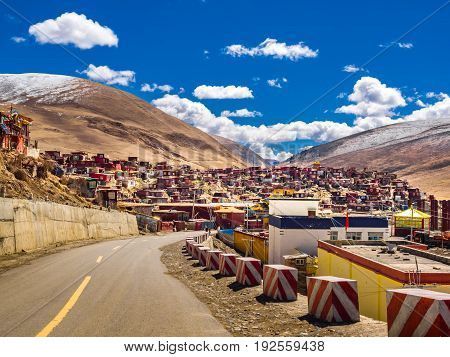 Shacks for buddhist monks and nuns at tibetan Yarchen Gar Monastery in Sichuan China