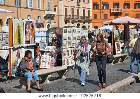 Art Vendors In Rome