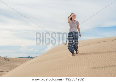 The Heat In The Desert. Sunstroke, Insolation Thermoplegia