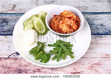 Fresh Shrimp Chili Dip Served With Side Dish.