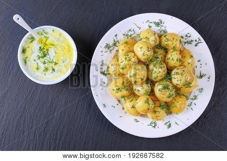 Boiled New Potatoes And Tzatziki Sauce