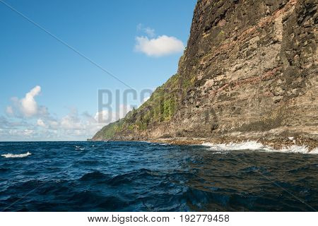 Rocky coastline of Na Pali coast of Hawaiian island of Kauai