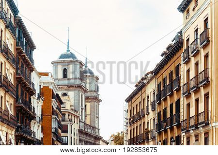 street view of downtown madrid, The city has a population of almost 3.2 million