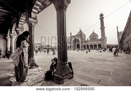 Jama Masjid, Old Delhi, India - 24 June 2017 : Indian Ladies Devotees Doing Prayer, As They Celebrat