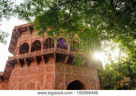 Mehman Khana of Taj Mahal Mehman Khana is a drawing room where guests are entertained in many houses in North India
