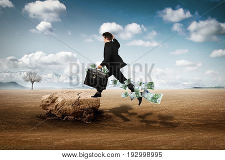 businessman abandoned alone in the hot desert