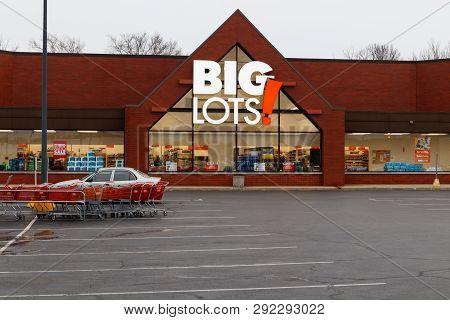 Indianapolis - Circa: March 2019: Big Lots Retail Discount Location. Big Lots Is A Discount Chain Se