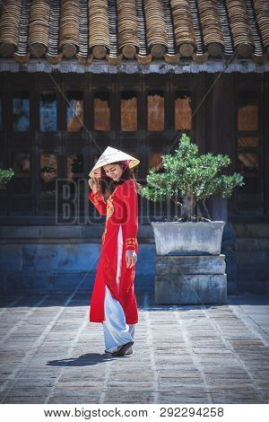 Beautiful Girl With Vietnam Culture Traditional Dress.