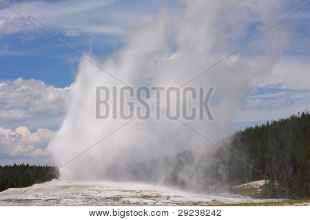 Yellowstone Park's Old Faithful