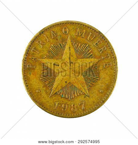 1 Cuban Peso Coin (1987) Obverse Isolated On White Background