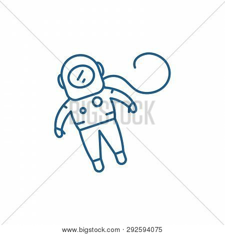 Cosmonaut Line Icon Concept. Cosmonaut Flat  Vector Symbol, Sign, Outline Illustration.