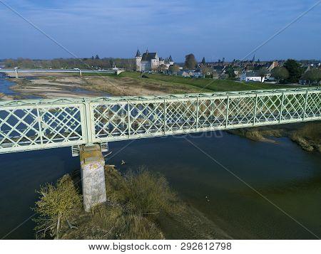 Bridge And Castle In Sully-sur-loire, Loiret, Centre-val De Loire, France