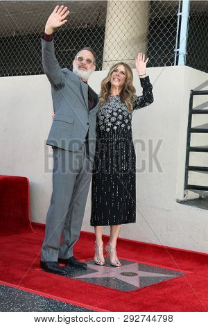 LOS ANGELES - MAR 29:  Tom Hanks, Rita WIlson at the Rita Wilson Star Ceremony on the Hollywood Walk of Fame on March 29, 2019 in Los Angeles, CA